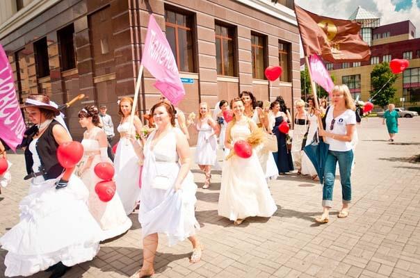 парад невест в Тюмени